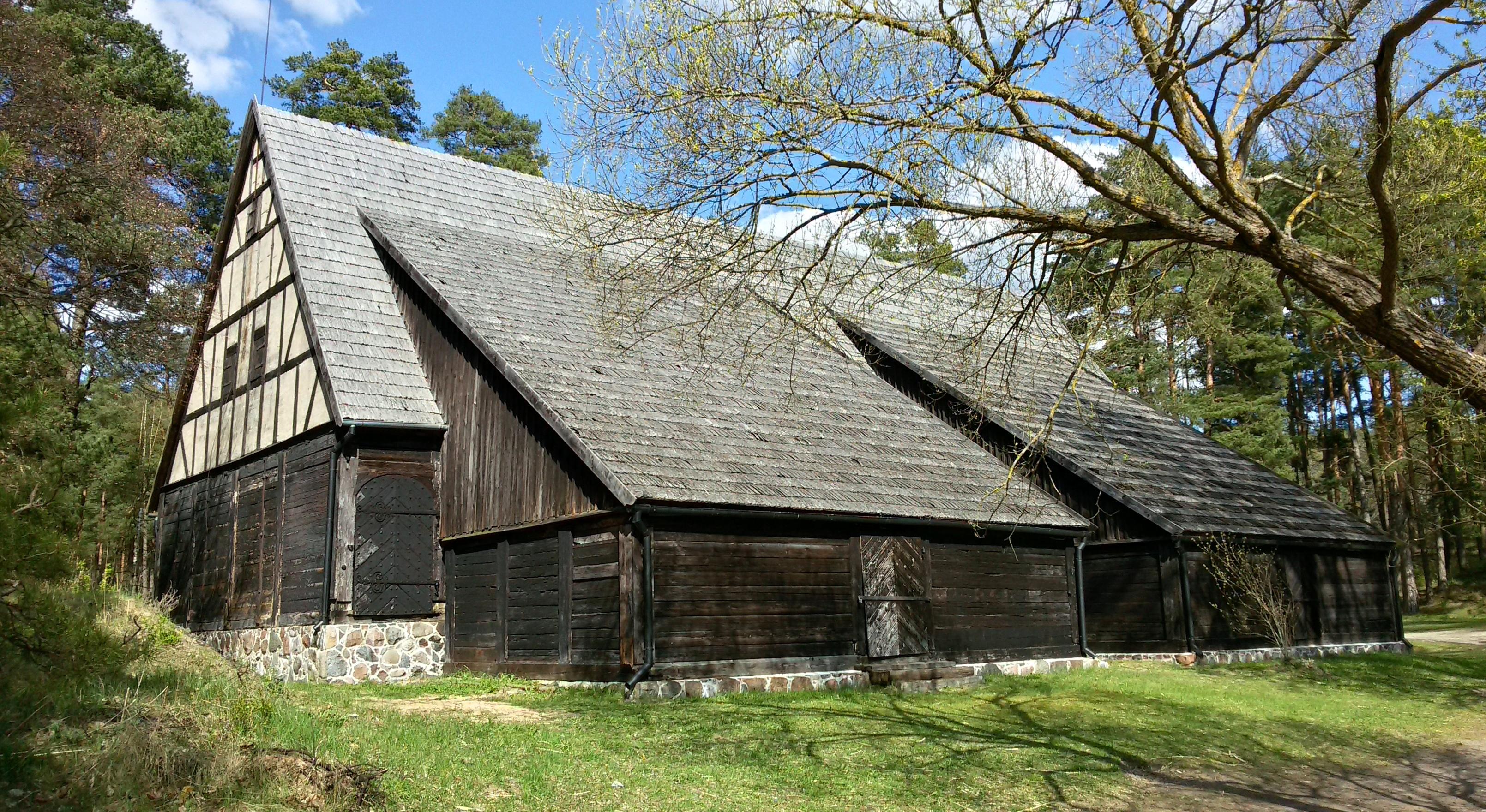 """Амбар """"Ласточка"""" на своем новом месте - В Латвийском Этнографическом музее."""