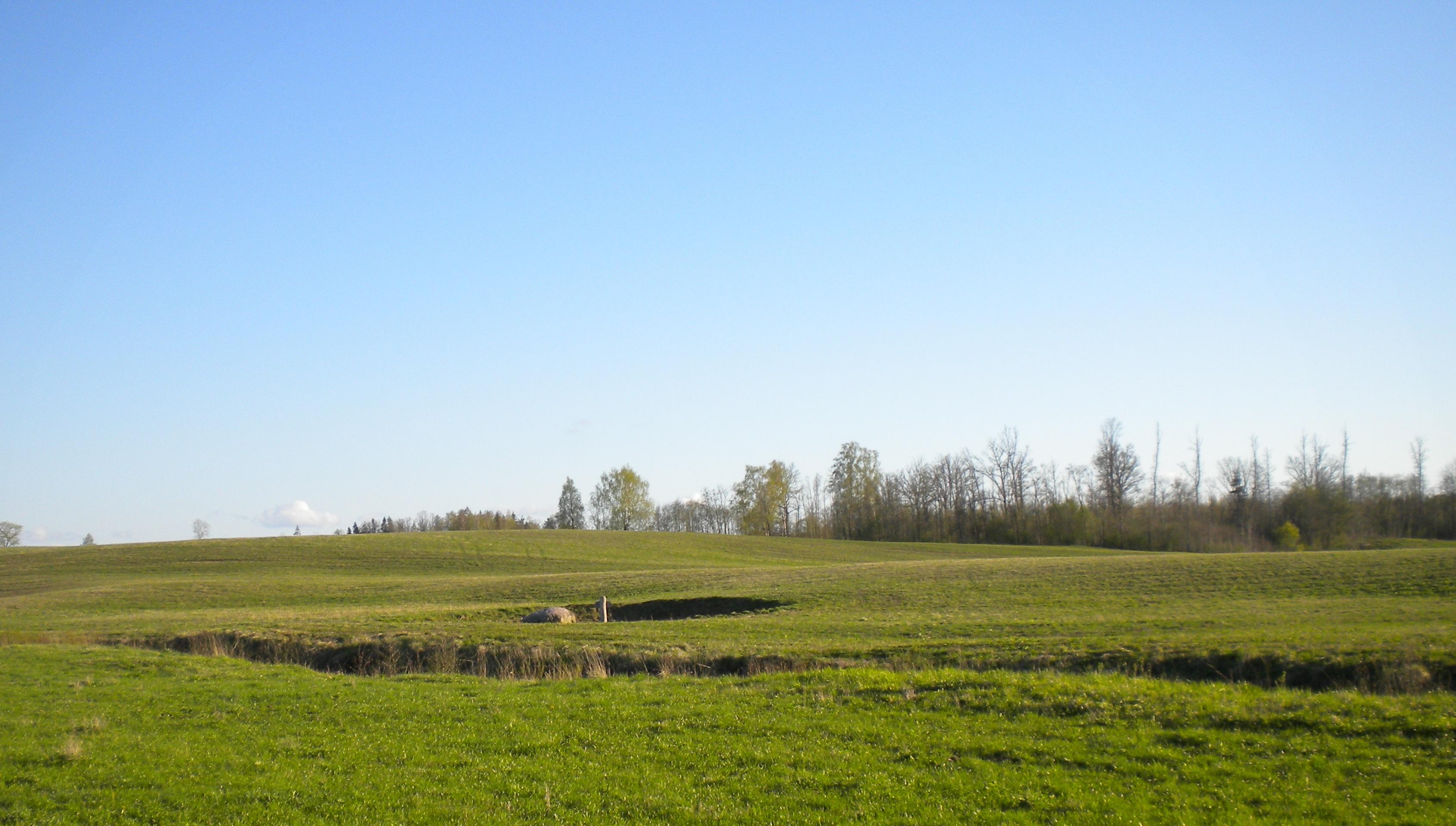 Вид на источник с севера.