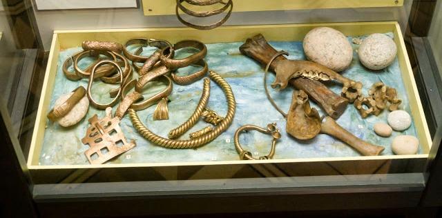 Археологические находки из источника Кротес Брувери. Фото © Juris Egle