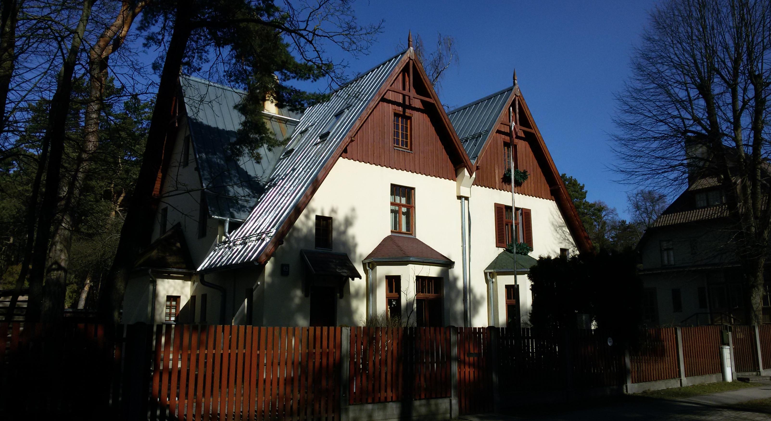 Дома-близнецы по адресу ул. Стокхолмас 61/63, архитектор Г. фон Тизенгаузен, 1911 год.