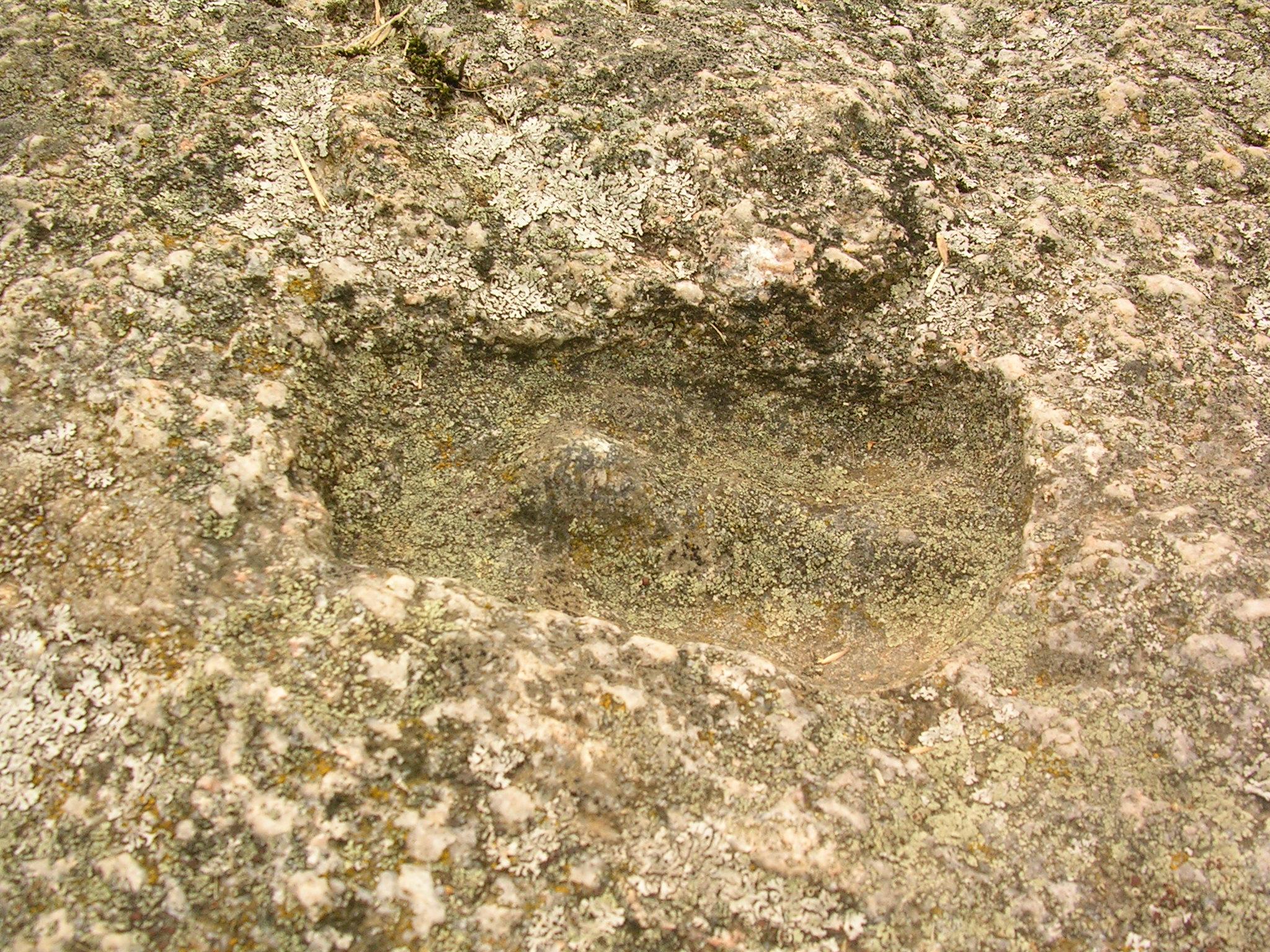 """""""След черта"""" на камне Чертовой пятки в Одре."""